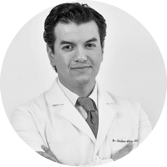 Dr. Gustavo Cruz